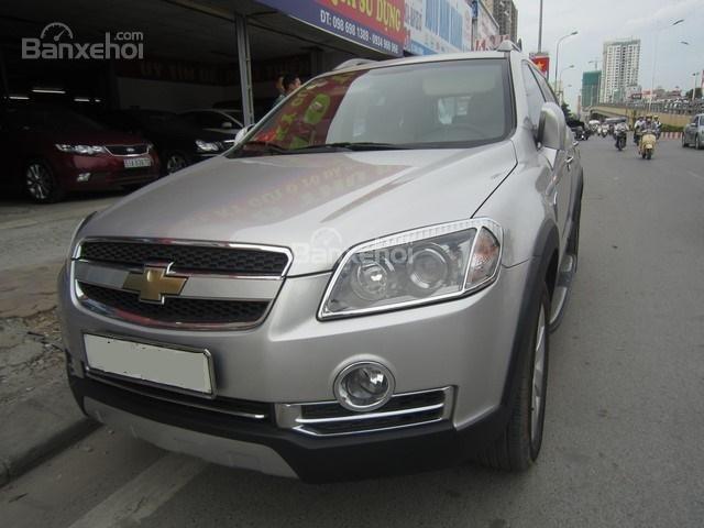 Bán ô tô Chevrolet Captiva đời 2010, màu bạc-0