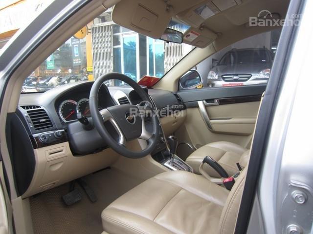 Bán ô tô Chevrolet Captiva đời 2010, màu bạc-4