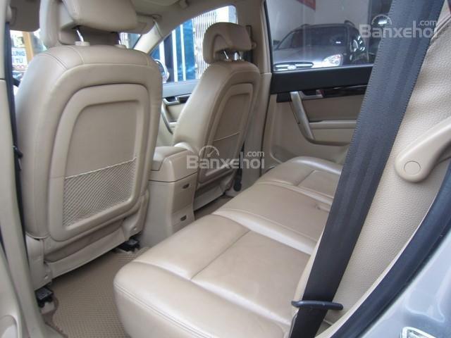 Bán ô tô Chevrolet Captiva đời 2010, màu bạc-6