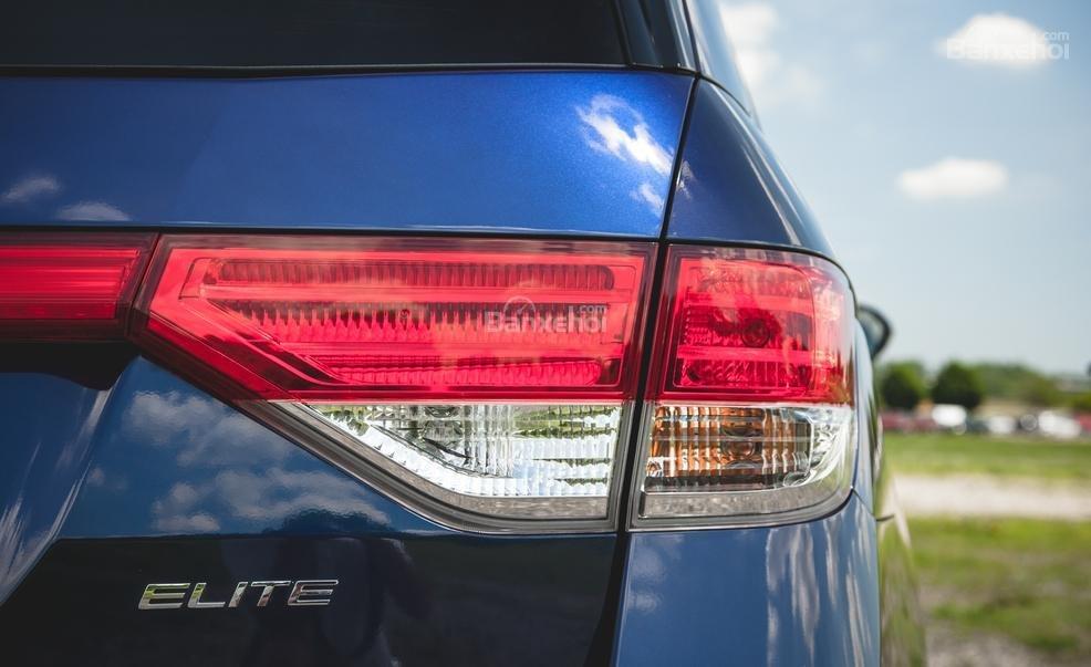 Đánh giá đèn hậu xe Honda Odyssey 2016