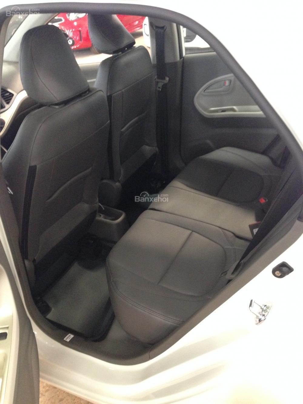 Bán xe Kia Morning năm 2015, màu bạc, giá tốt-4