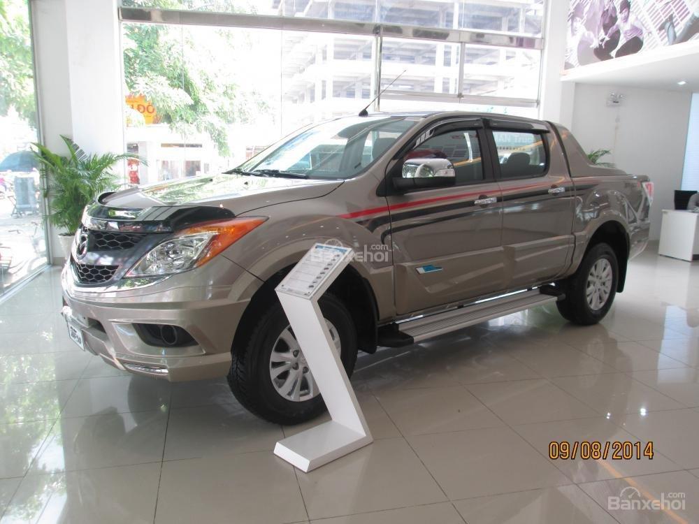 Mazda Tây Ninh bán xe Mazda BT50 mới 2015, nhập khẩu nguyên chiếc, giá 649 triệu, khuyến mãi cực kì hấp dẫn-1