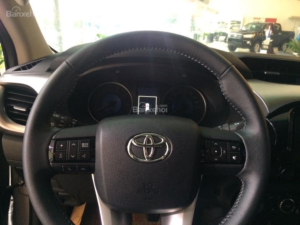 Bán Toyota Hilux sản xuất 2015, nhập khẩu chính hãng, 809 triệu-2