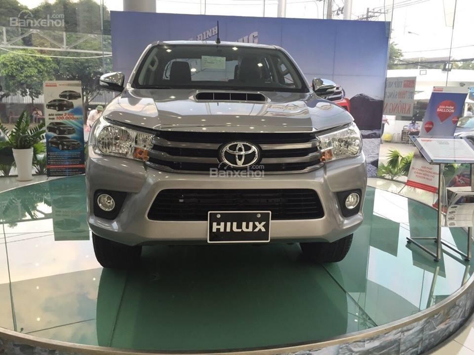 Bán xe Toyota Hilux 2.5E số tay 6 cấp máy dầu, nhập khẩu giao ngay-0