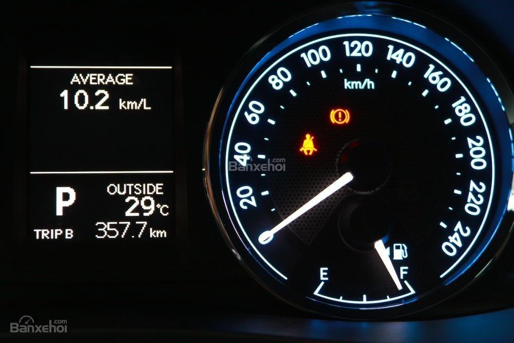 Toyota Hùng Vương bán xe Toyota Corolla altis 1.8MT số sàn giao ngay-2