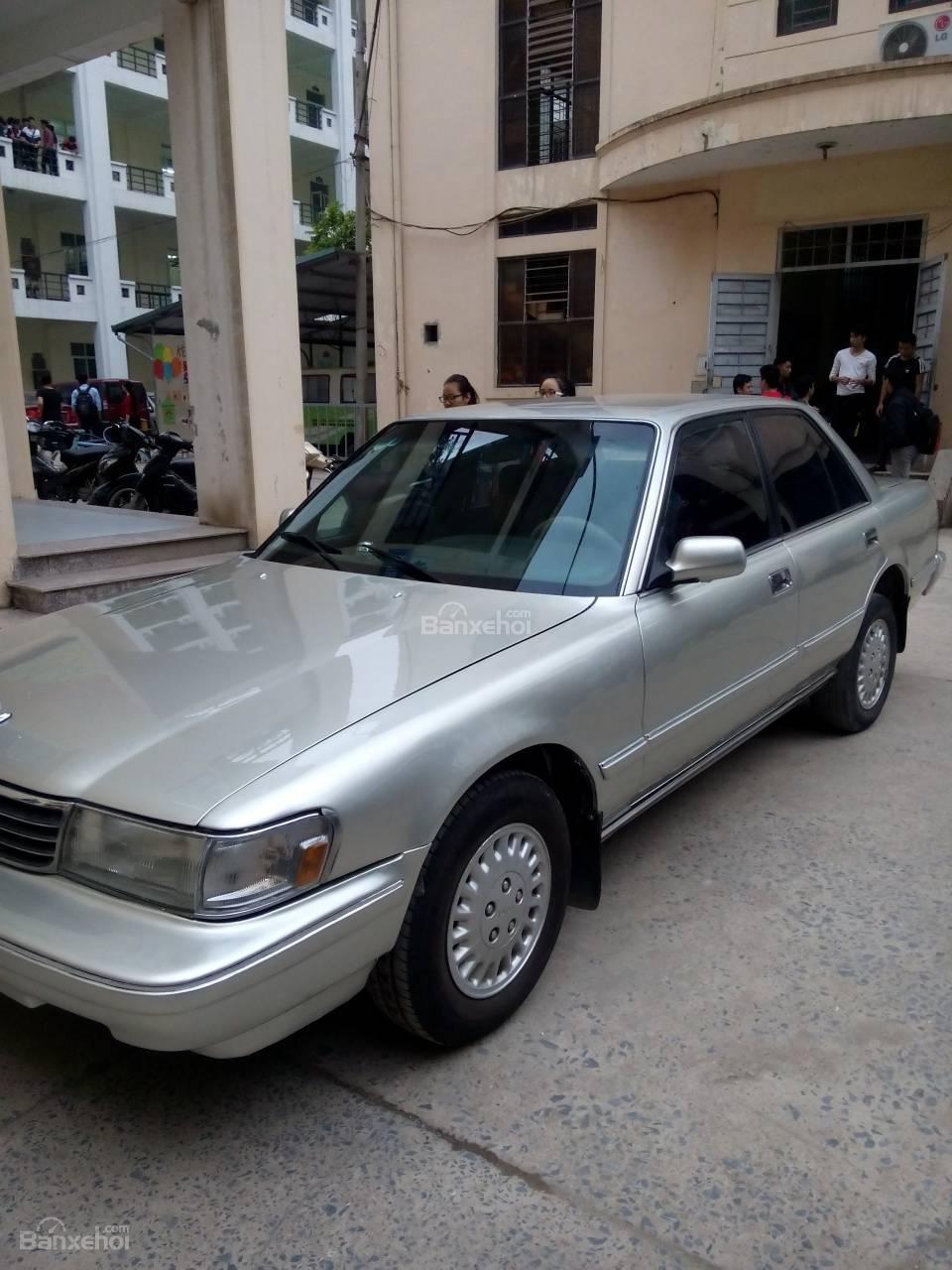 Cần bán Toyota Cressida GL đời 1993, màu bạc, nhập khẩu nguyên chiếc-0