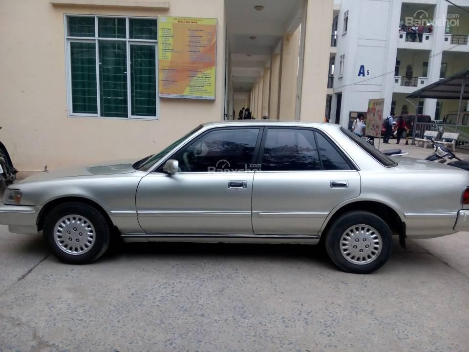 Cần bán Toyota Cressida GL đời 1993, màu bạc, nhập khẩu nguyên chiếc-3