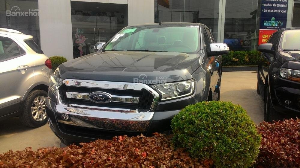 Bán xe Ford Ranger XLS AT đời 2017, màu xám, nhập khẩu chính hãng, 685tr-0