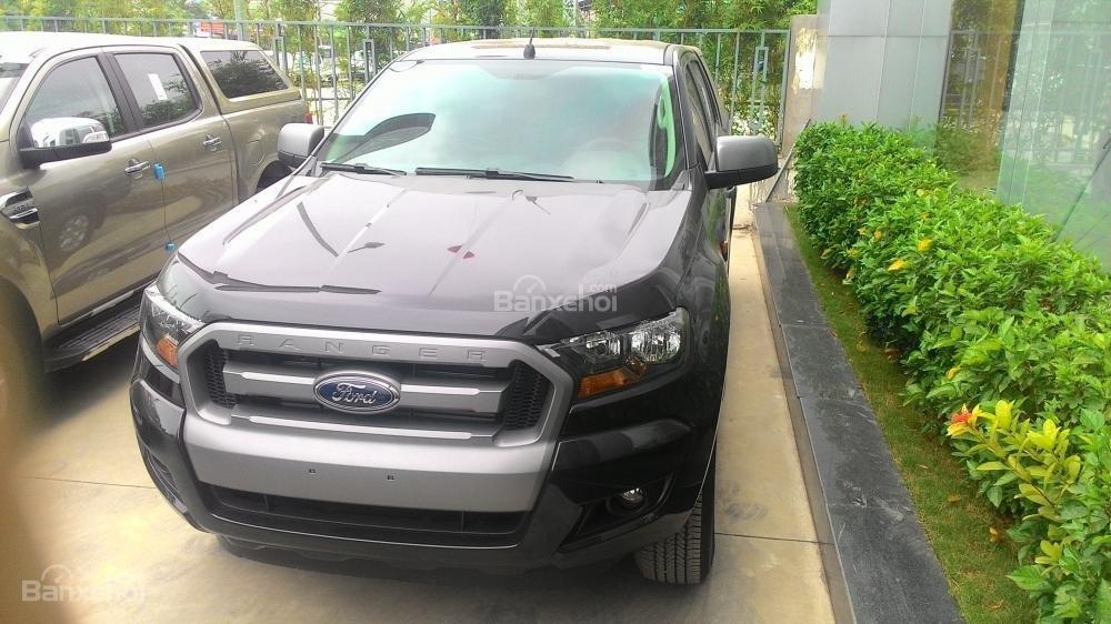 Bán xe Ford Ranger XLS AT đời 2017, màu xám, nhập khẩu chính hãng, 685tr-9