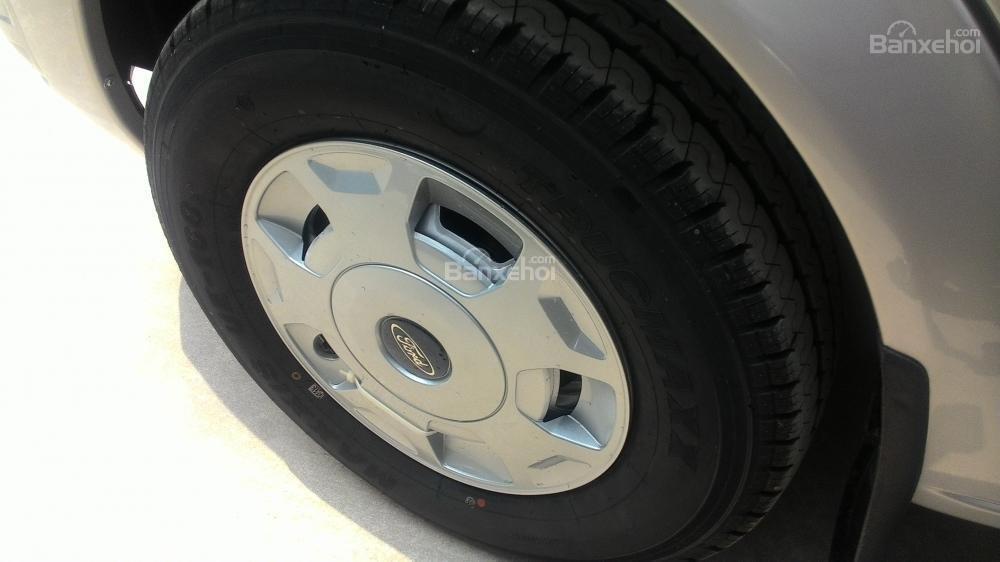 Bán Ford Transit MID 2017, màu bạc, 810 triệu-6