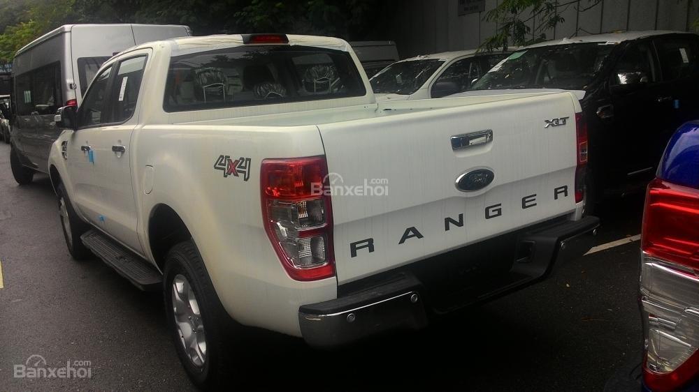 Bán Ford Ranger XLT sản xuất 2017, màu trắng, nhập khẩu chính hãng, 700tr-5