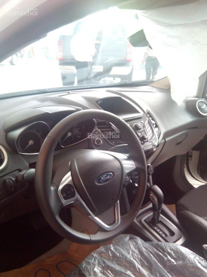 Cần bán Ford EcoSport Titanium năm 2017, màu đỏ ruby-3