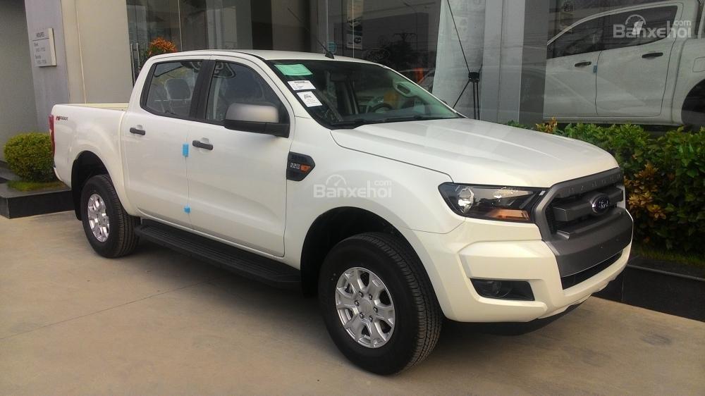 Bán ô tô Ford Ranger XLS MT đời 2017, màu trắng, nhập khẩu nguyên chiếc-2