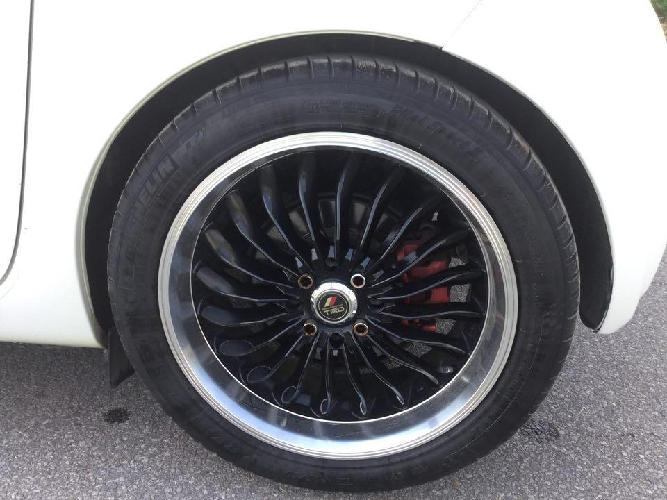 Em bán Toyota iQ Limided 1.0 2 cửa 4 chỗ, đời 2010, đăng kí 5/2011-4