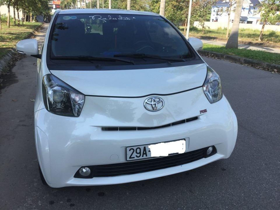 Em bán Toyota iQ Limided 1.0 2 cửa 4 chỗ, đời 2010, đăng kí 5/2011-2