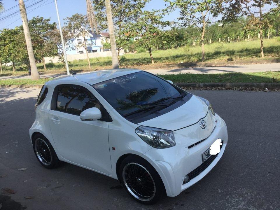 Em bán Toyota iQ Limided 1.0 2 cửa 4 chỗ, đời 2010, đăng kí 5/2011-13