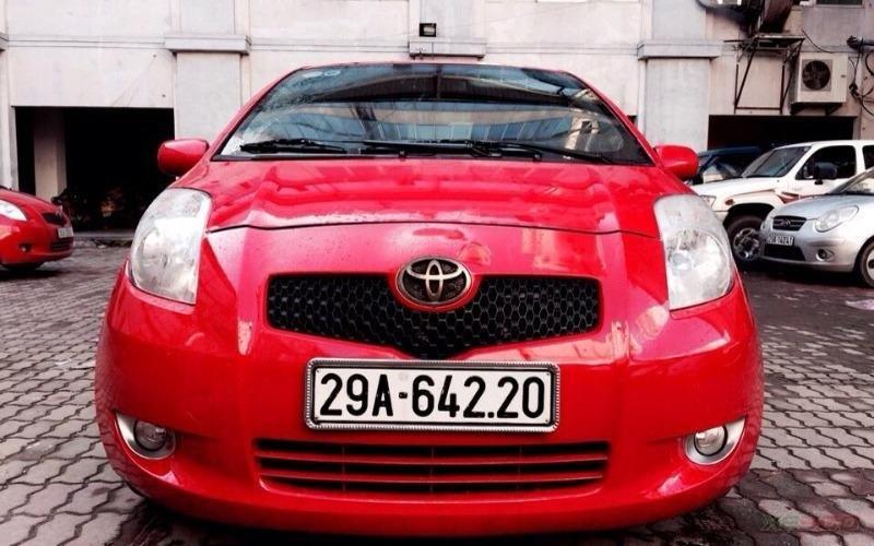 Hưng Nam Auto có bán Toyota Yaris 1.3 AT bản nhập Nhật. Xe màu đỏ cực đẹp-0