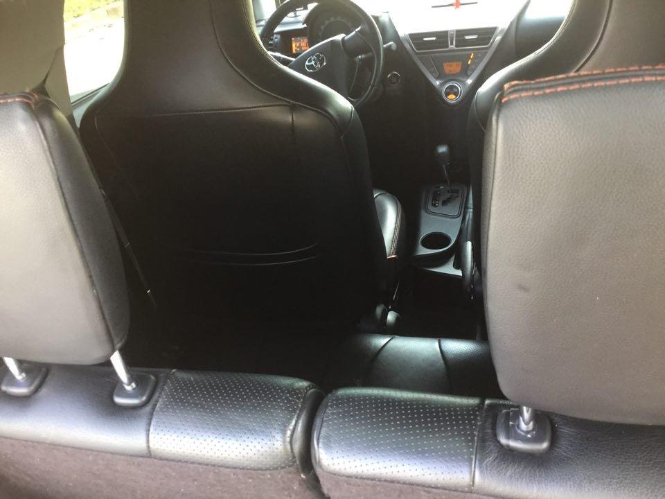 Em bán Toyota iQ Limided 1.0 2 cửa 4 chỗ, đời 2010, đăng kí 5/2011-11