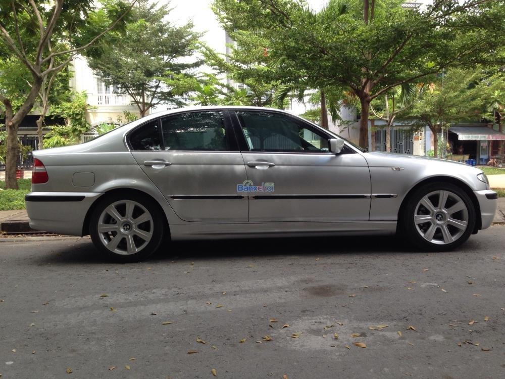 Gia đình cần bán xe hiệu BMW 3 Series 325i, động cơ 2.0 ít hao xăng, màu bạc, số tự động-1