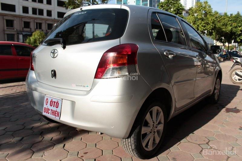 Cần bán xe Toyota Yaris 1.5AT đời 2011, màu bạc, xe nhập số tự động-3