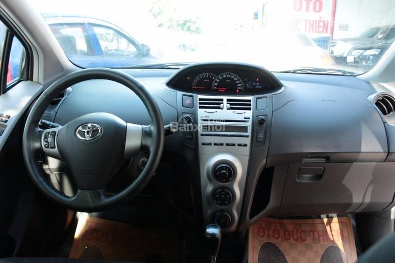 Cần bán xe Toyota Yaris 1.5AT đời 2011, màu bạc, xe nhập số tự động-7