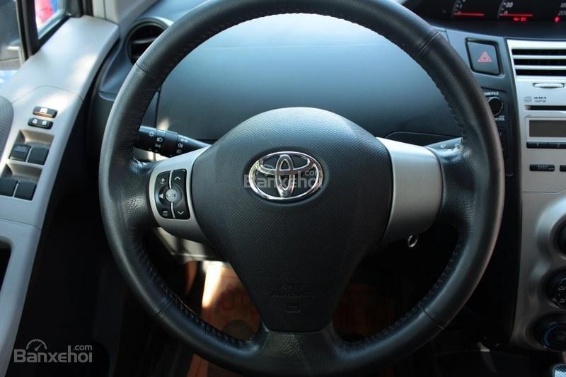 Cần bán xe Toyota Yaris 1.5AT đời 2011, màu bạc, xe nhập số tự động-8
