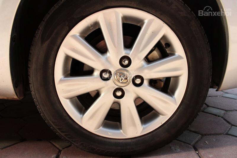 Cần bán xe Toyota Yaris 1.5AT đời 2011, màu bạc, xe nhập số tự động-13