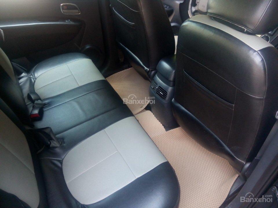 Cần bán xe Kia Carens 2.L AT đời 2010, màu đen, xe nhập-2