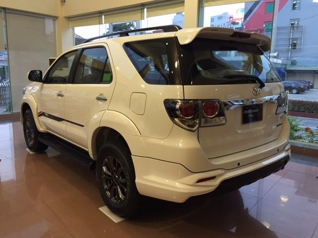 Toyota Fortuner 2015 – phiên bản mới nhất với sự thay đổi trong thiết kế đã mang lại một hình ảnh chiếc xe mới ấn tượng-0