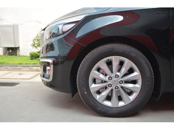 Cần bán xe Kia Sedona DAT đời 2015, màu đen, xe nhập-2