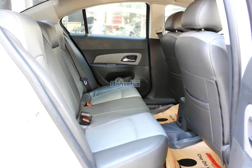 Chevrolet Cruze LS1.6 đời 2011, màu trắng, giá chỉ 432 triệu-3