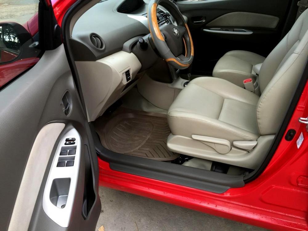 Cần bán Vios số tự động SX cuối 2012 màu đỏ, xe gia đình sử dụng kĩ-7