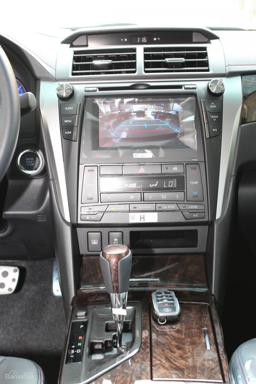 Toyota Camry 2.5Q phiên bản cao cấp của Camry giá bán tốt nhất thị trường ở Toyota Hùng Vương-5