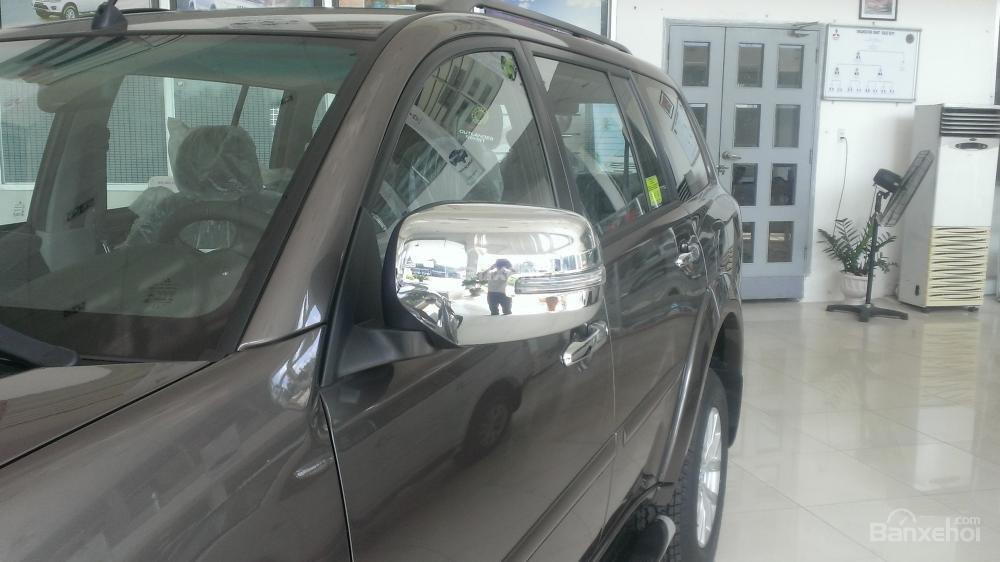 Cần bán xe Mitsubishi Pajero Sport G.AT 4x2 năm 2015, màu nâu-2