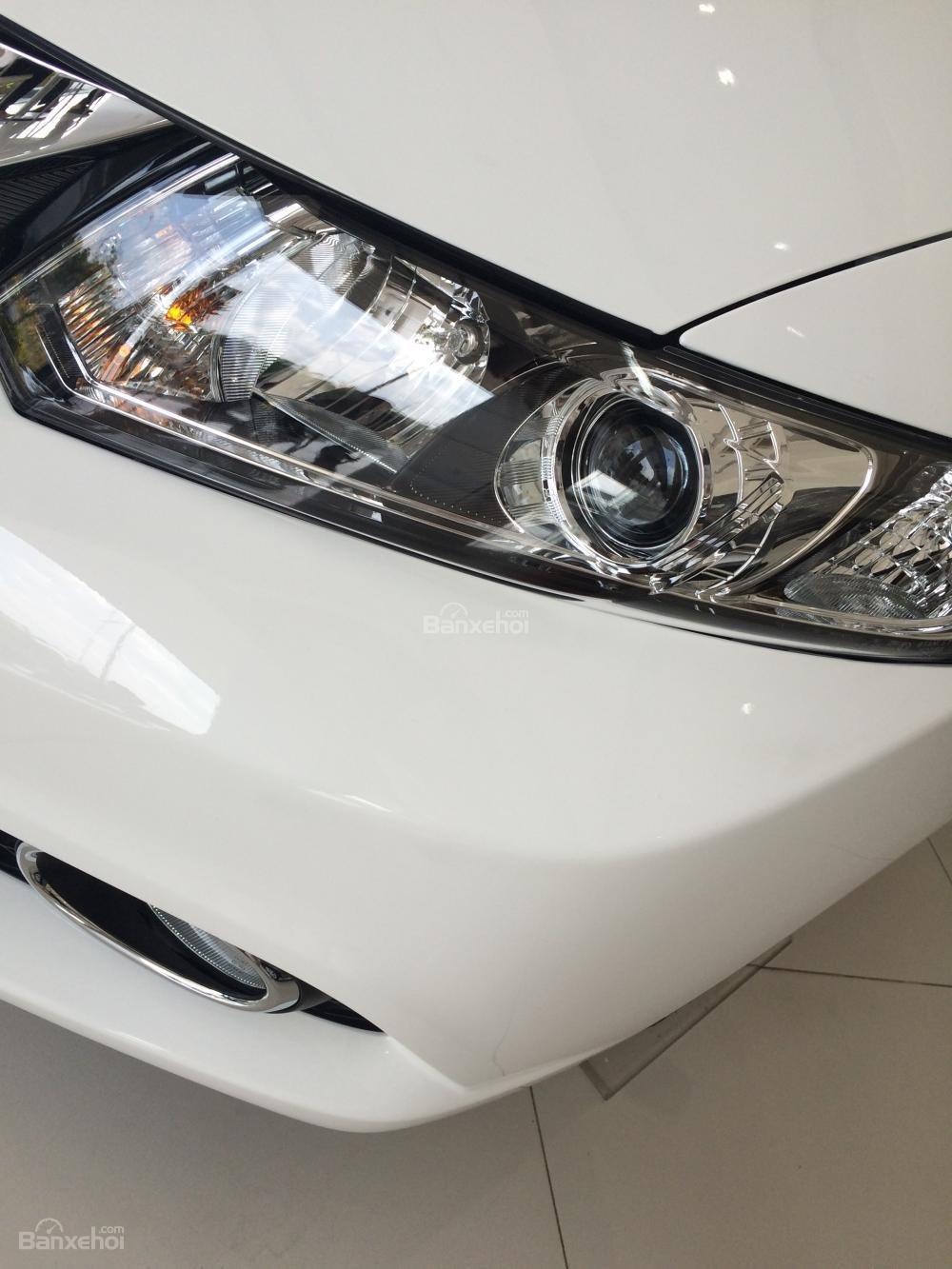 Honda Civic giao ngay - đủ màu - khuyến mãi lớn tháng 11-1