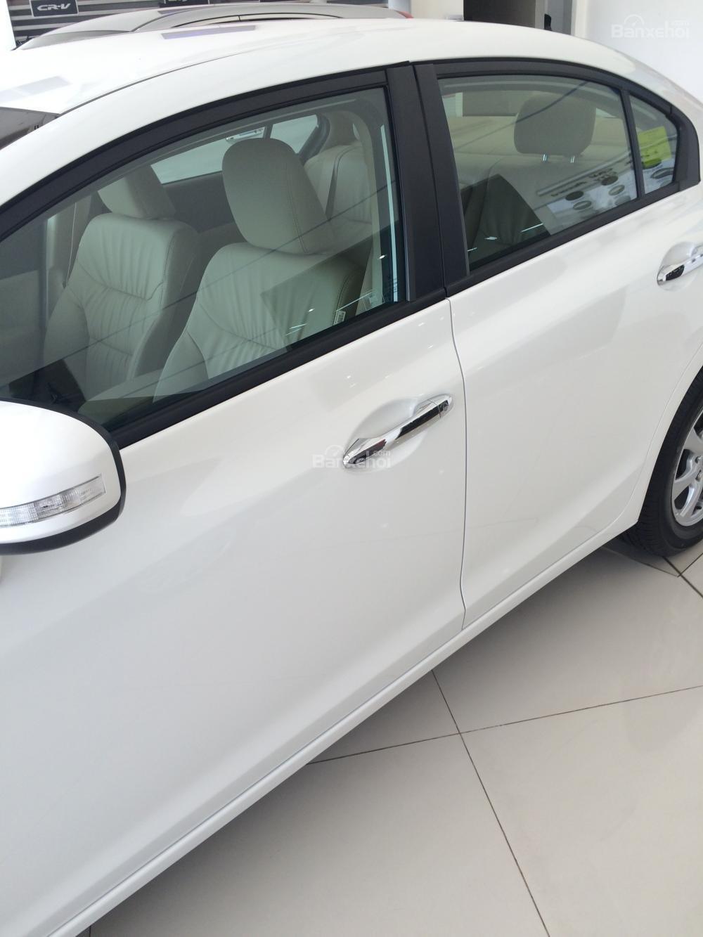 Honda Civic giao ngay - đủ màu - khuyến mãi lớn tháng 11-2