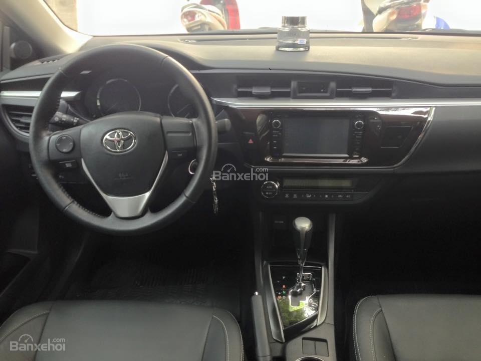 Cần bán xe Toyota Corolla altis CVT 1.8 đời 2015, màu đen-7