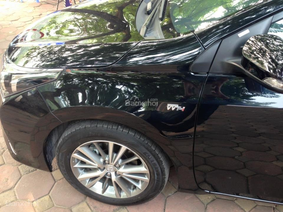 Cần bán xe Toyota Corolla altis CVT 1.8 đời 2015, màu đen-9