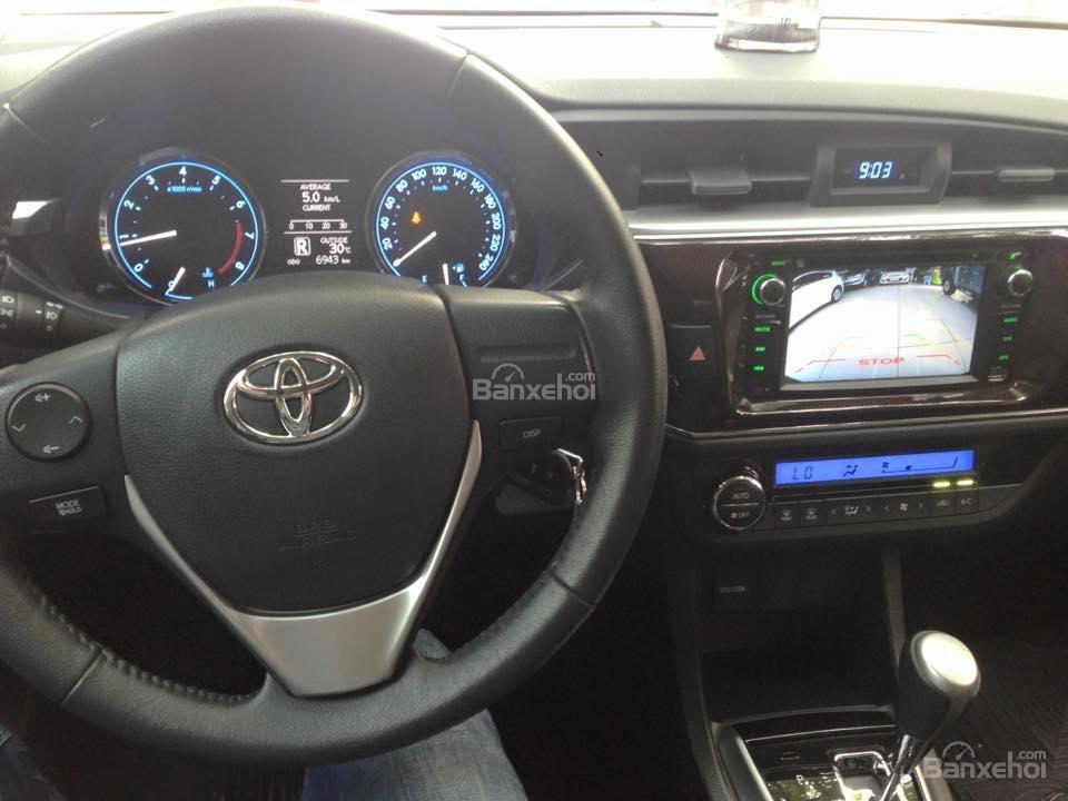 Cần bán xe Toyota Corolla altis CVT 1.8 đời 2015, màu đen-12