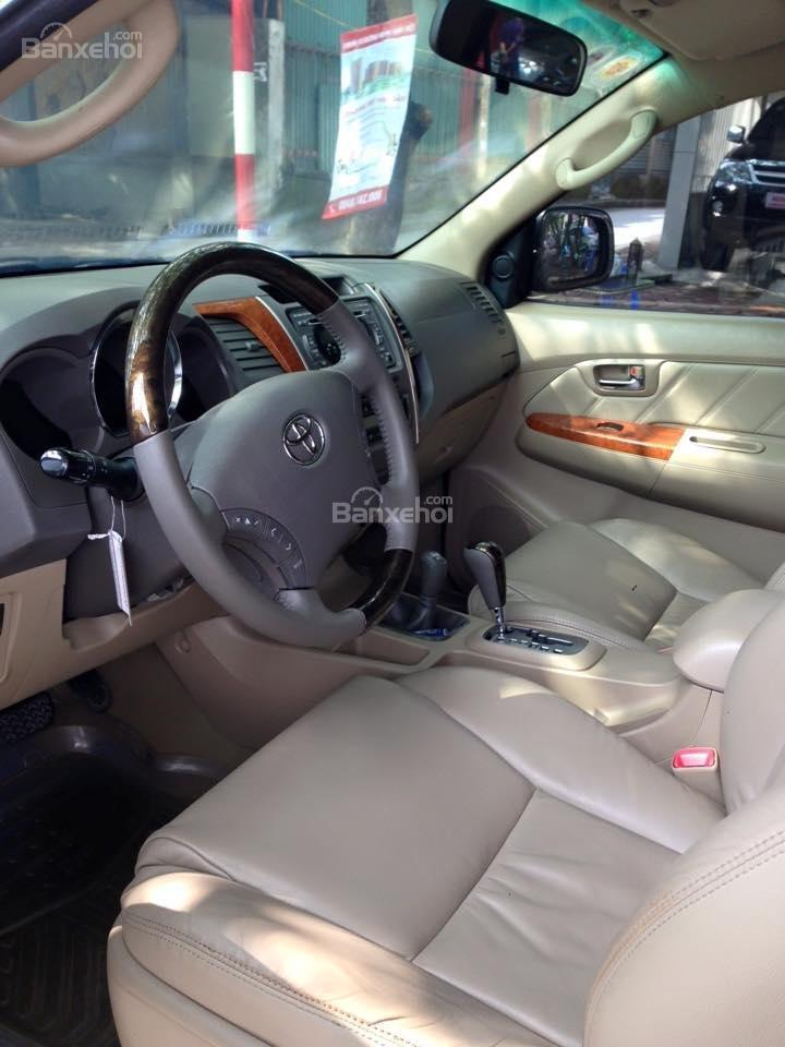 Cần bán lại xe Toyota Fortuner 2.7 V 4x4 đời 2010, màu bạc số tự động-6