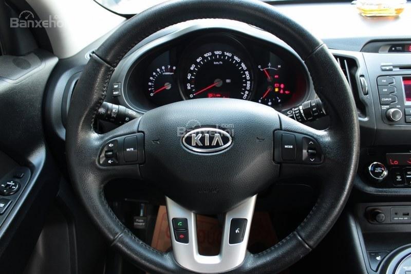 Cần bán Kia Sportage 2.0AT đời 2010, màu trắng, nhập khẩu số tự động, giá 735tr-8