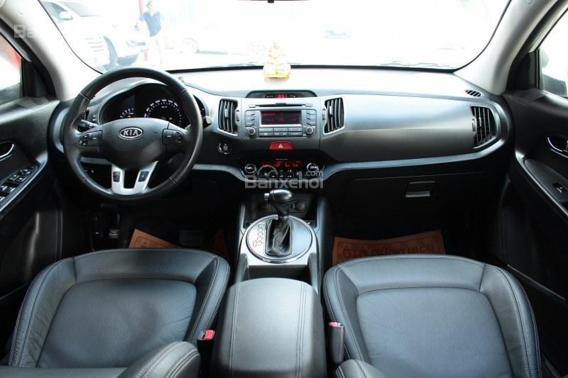 Cần bán Kia Sportage 2.0AT đời 2010, màu trắng, nhập khẩu số tự động, giá 735tr-7