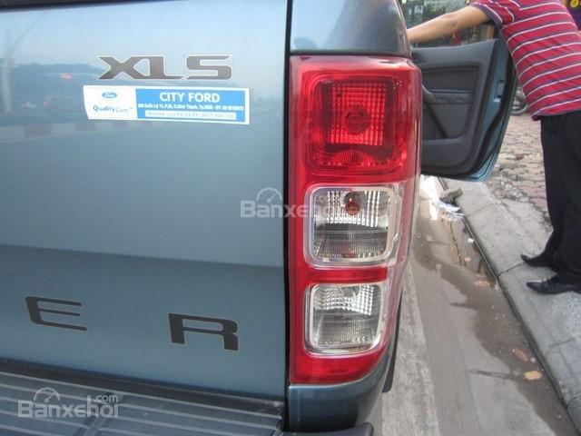Bán Ford Ranger MT đời 2014, màu xanh ngọc, nhập khẩu Thái, giá tốt-9
