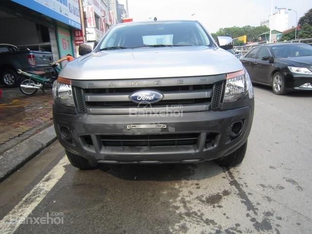 Cần bán xe Ford Ranger 4x4 MT đời 2014, màu bạc, nhập khẩu Thái, giá 555tr-0