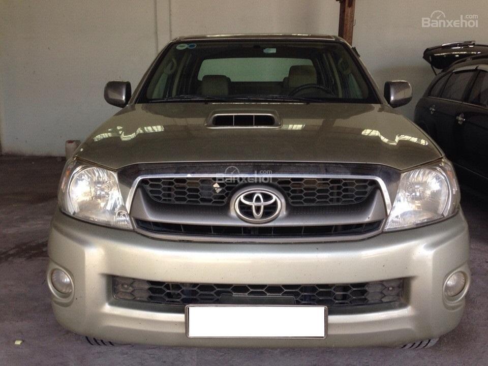 Cần bán xe Toyota Hilux đời 2010, màu vàng, nhập khẩu Thái, giá chỉ 479 triệu-0