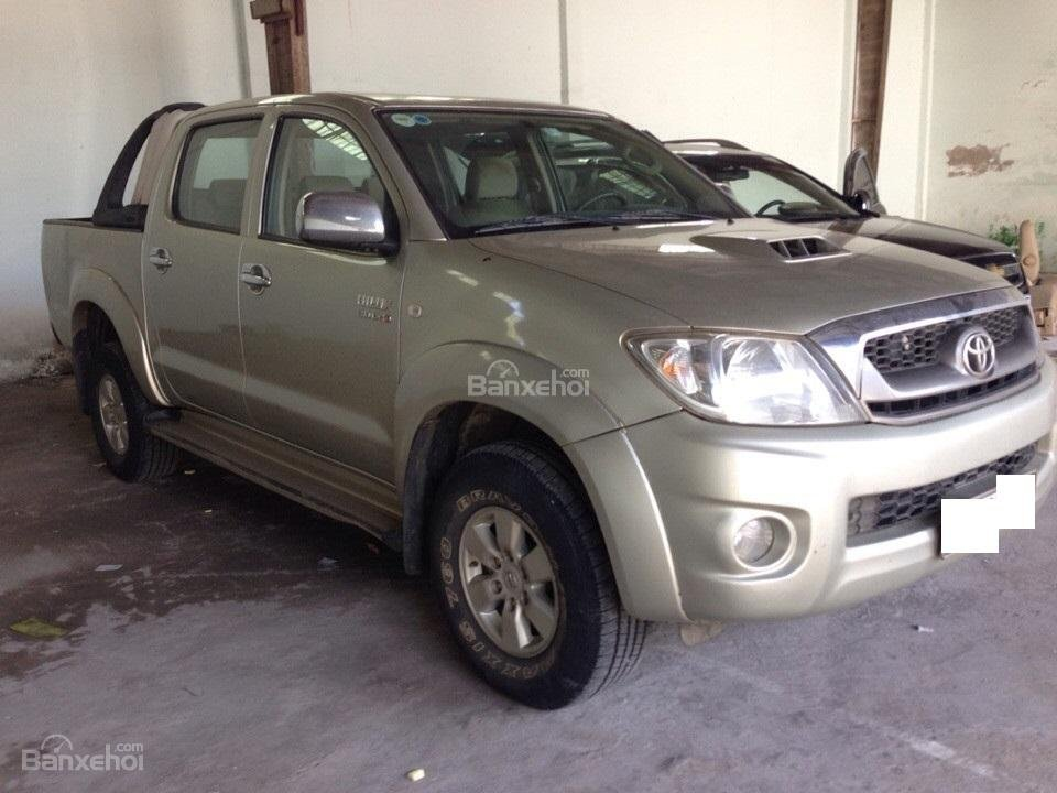 Cần bán xe Toyota Hilux đời 2010, màu vàng, nhập khẩu Thái, giá chỉ 479 triệu-2