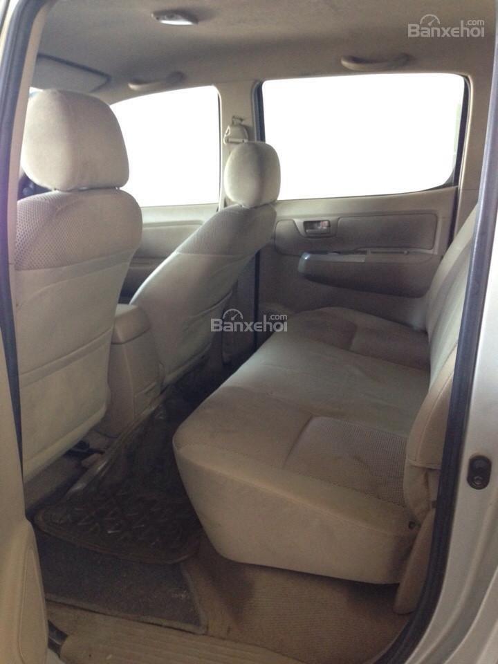 Cần bán xe Toyota Hilux đời 2010, màu vàng, nhập khẩu Thái, giá chỉ 479 triệu-8
