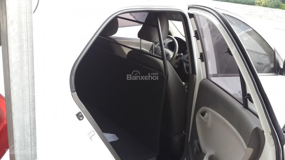 Kia Morning Van màu trắng số tự động sản xuất 2012 -2