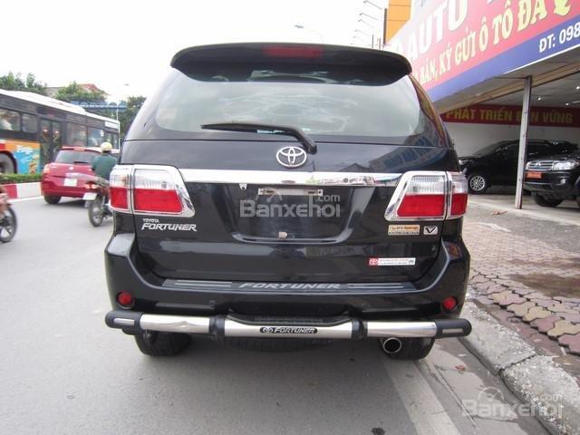 Cần bán Toyota Fortuner đời 2010, màu đen, giá tốt-8