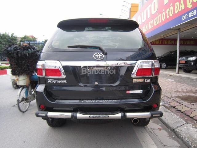 Cần bán Toyota Fortuner đời 2010, màu đen, giá tốt-7